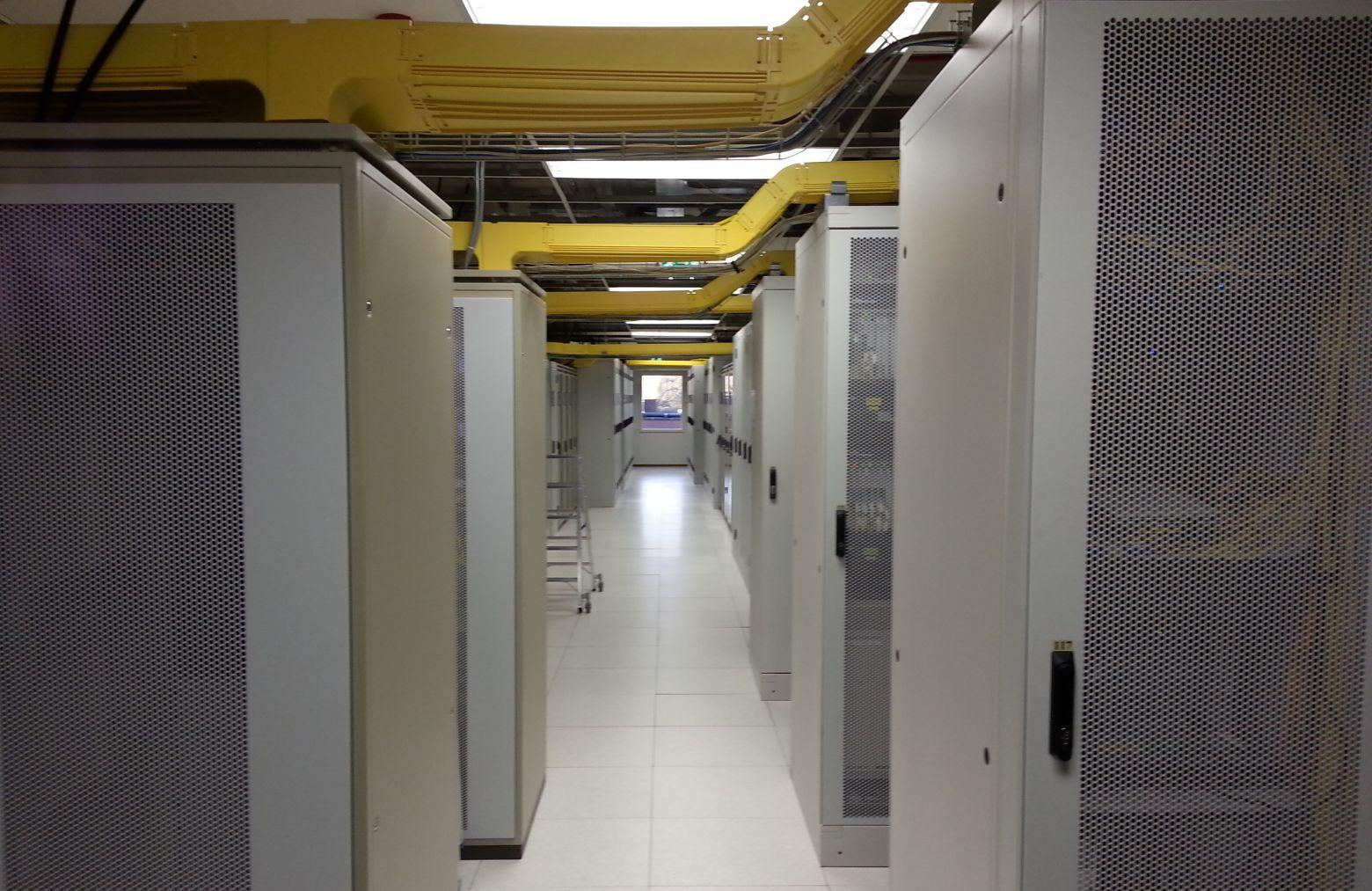Дата-центр возле Амстердама называют «выгребной ямой интернета», но он продолжает работу - 1