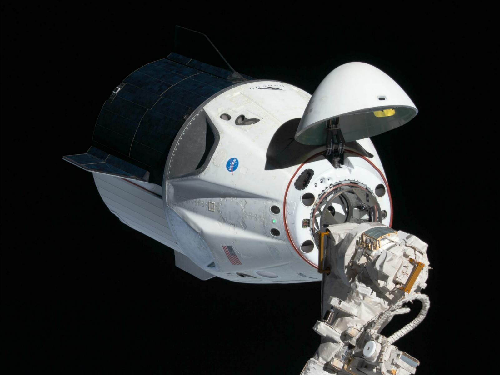 5 лет назад SpaceX удалось посадить ступень ракеты на плавучую платформу, и это изменило космонавтику навсегда - 4