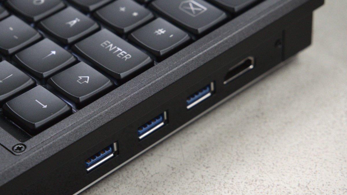 Модульный открытый «ноутбук для параноиков» начали рассылать заказчикам - 6