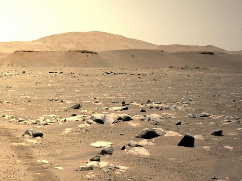 Марсианский вертолёт Ingenuity совершил рекордный перелёт. Новые фото и видео