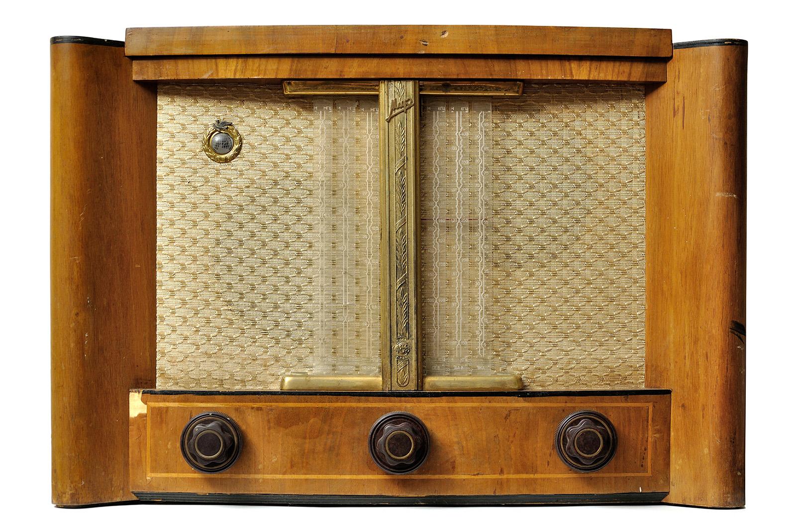 О дивный новый «Мир»! Восстановление советской радиолы - 2