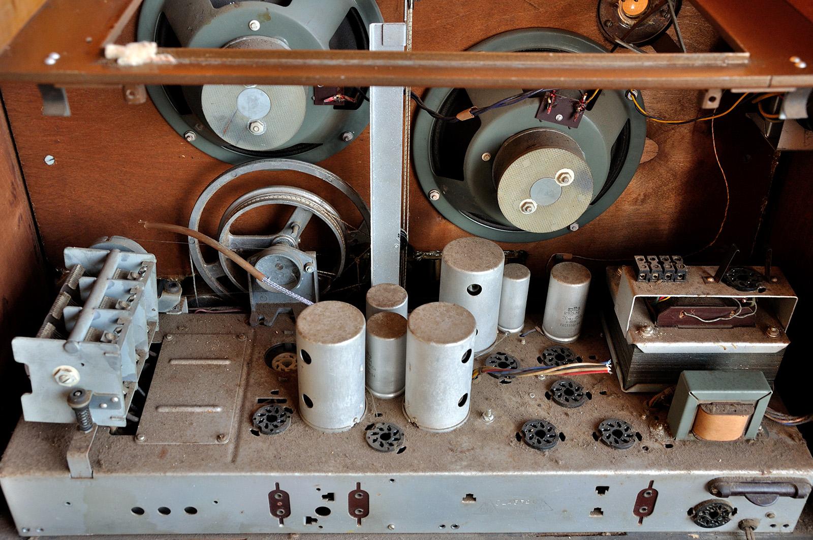 О дивный новый «Мир»! Восстановление советской радиолы - 4