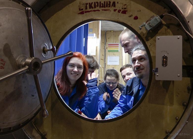 В Москве провели двухнедельную имитацию полета к Луне