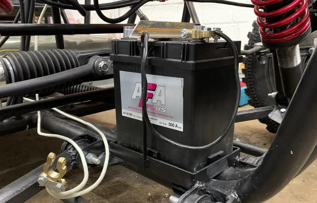 Как сделать самодельный электрический багги с мощным мотором. Часть 3. Тормоза, охлаждение, сидения, селектор, улица - 9