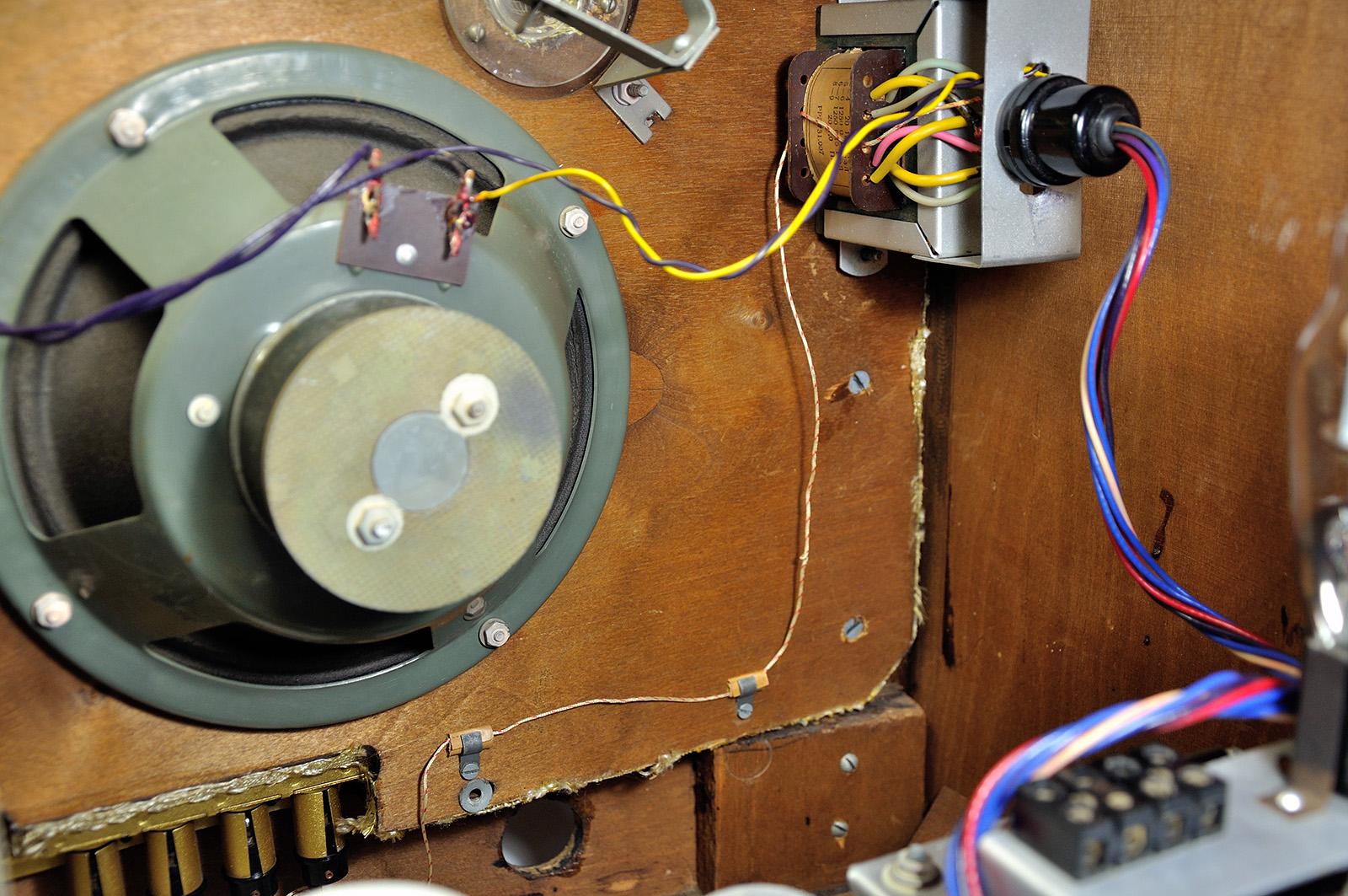 О дивный новый «Мир»! Восстановление советской радиолы. Часть 2 - 19