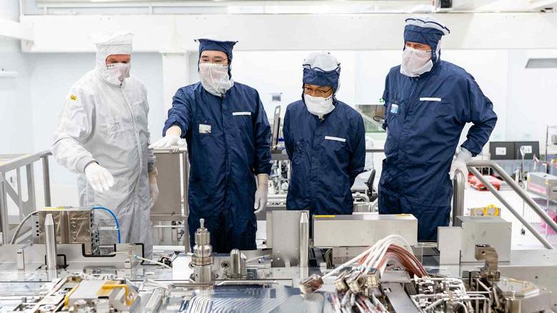 Samsung проигрывает битву за полупроводники. TSMC сумела купить 70% всех машин для производства такой продукции у ASML