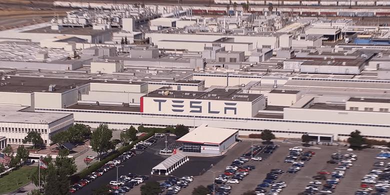 Tesla заплатит огромный штраф за плохой воздух