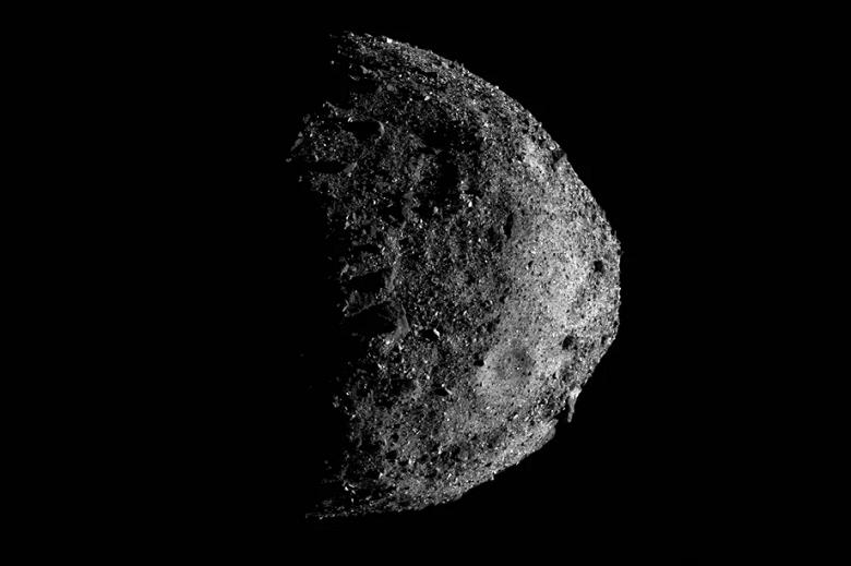 Исследующий опасный астероид зонд NASA начал свой путь на Землю