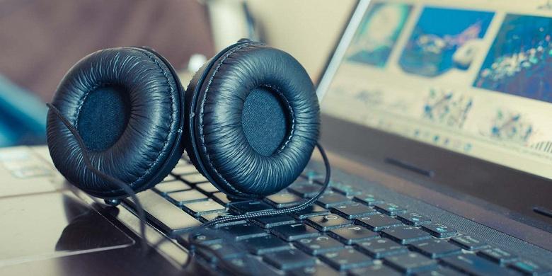 После последнего обновления Windows 10 на некоторых компьютерах возникли проблемы со звуком