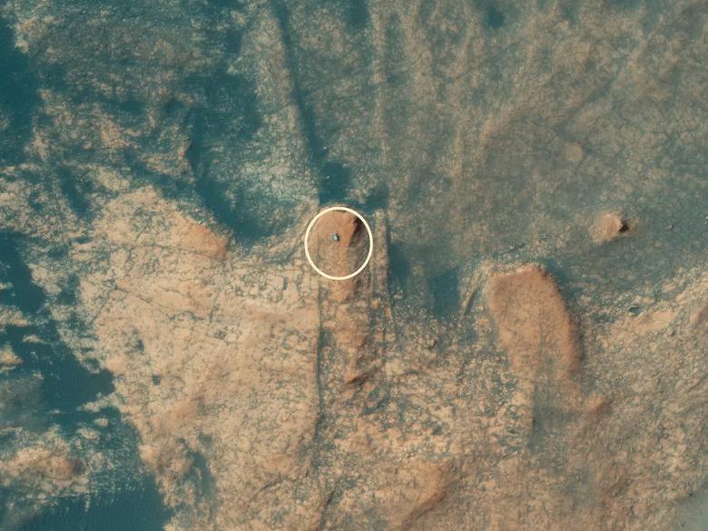 Восхождение марсохода Curiosity на Мон-Мерку сфотографировали из космоса