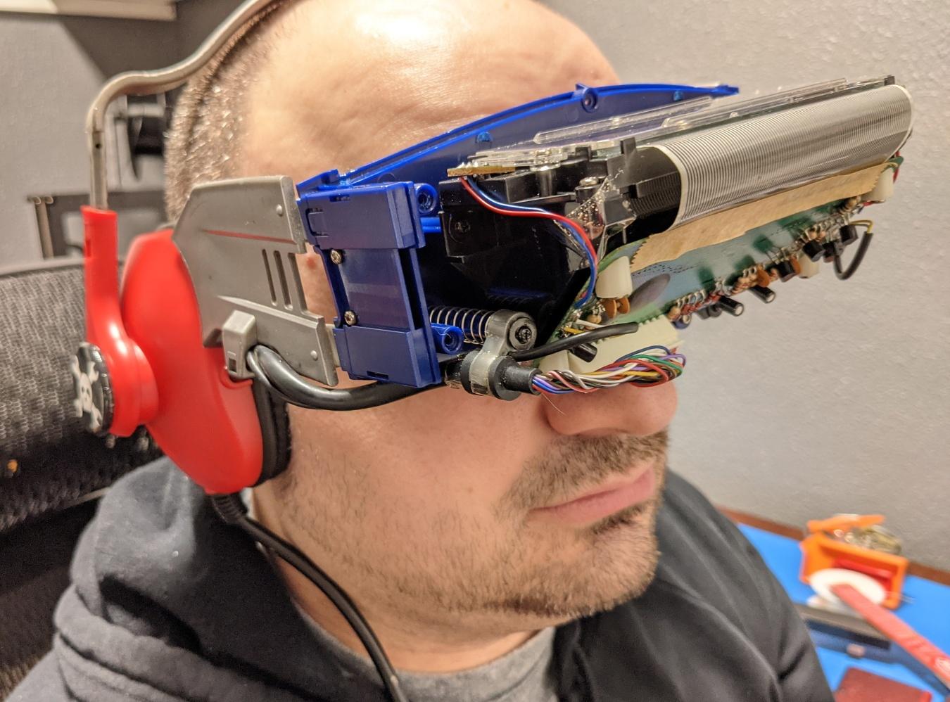 Виртуальная реальность 90-х: разбираем VR-очки RADICA NASCAR I-Racer - 9