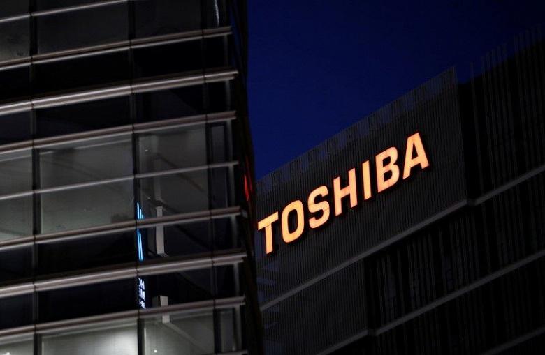 Глава Toshiba выступил против призывов инвесторов к его отставке