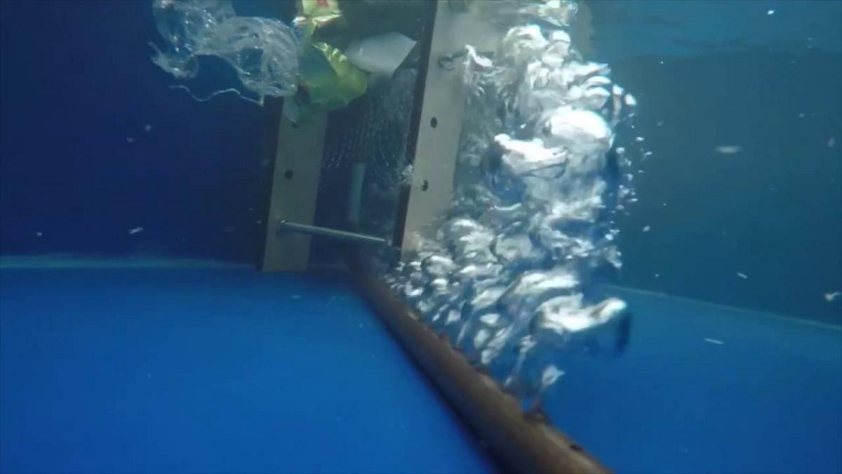Пузыри — вверх! Речной барьер, который защищает море от пластика - 2