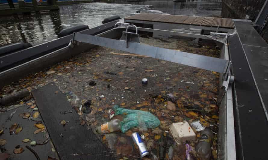 Пузыри — вверх! Речной барьер, который защищает море от пластика - 9