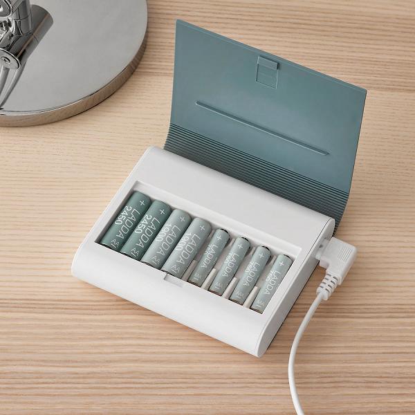 IKEA выпустила «книгу» для зарядки аккумуляторных батареек, в том числе и в России