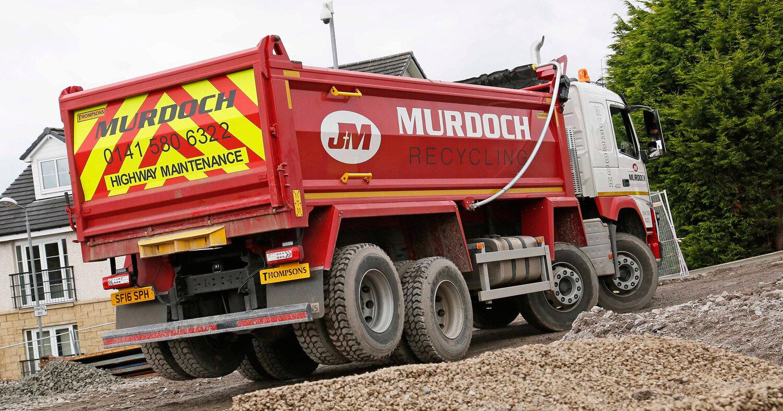 Почему у грузовиков некоторые колёса висят в воздухе