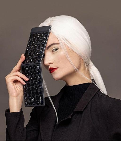 На сайте KickStarter завершается сбор средств на самую тонкую беспроводную складную клавиатуру