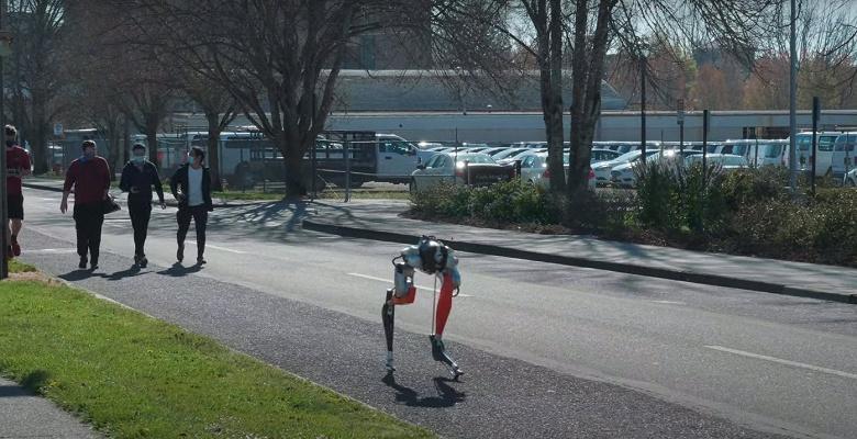 Двуногий робот Кэсси преодолел 5 км за 53 минуты на одном заряде
