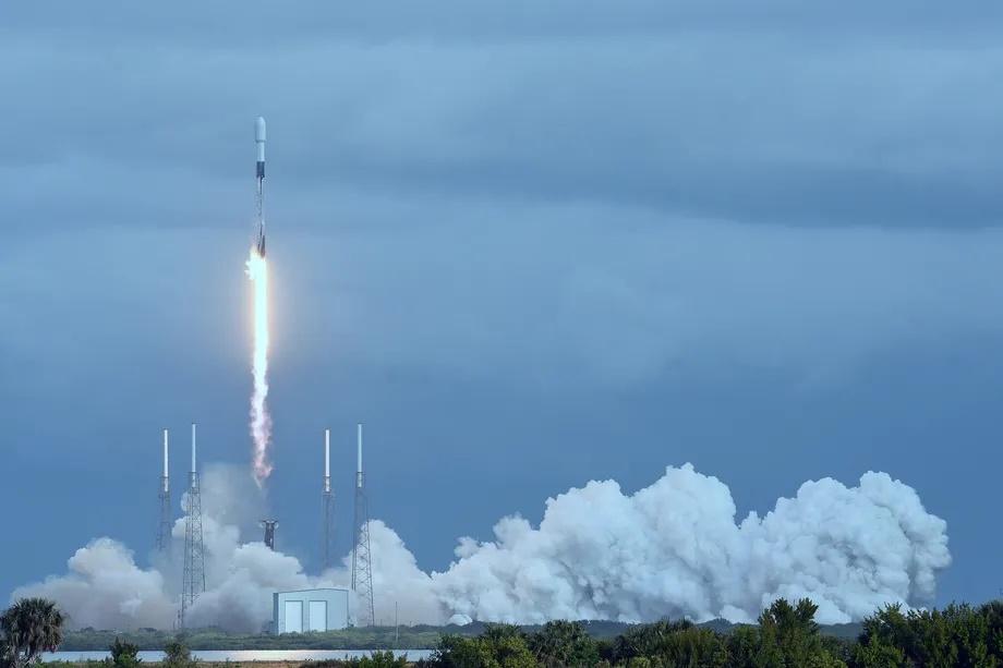 Starlink продолжает развиваться: запуск новых спутников, покупка стартапа и увеличение пропускной способности сети - 1