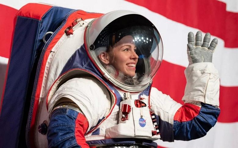 Возвращение США на Луну в 2024 году невозможно. Аудит программы Artemis показал большие задержки с разработкой новых скафандров