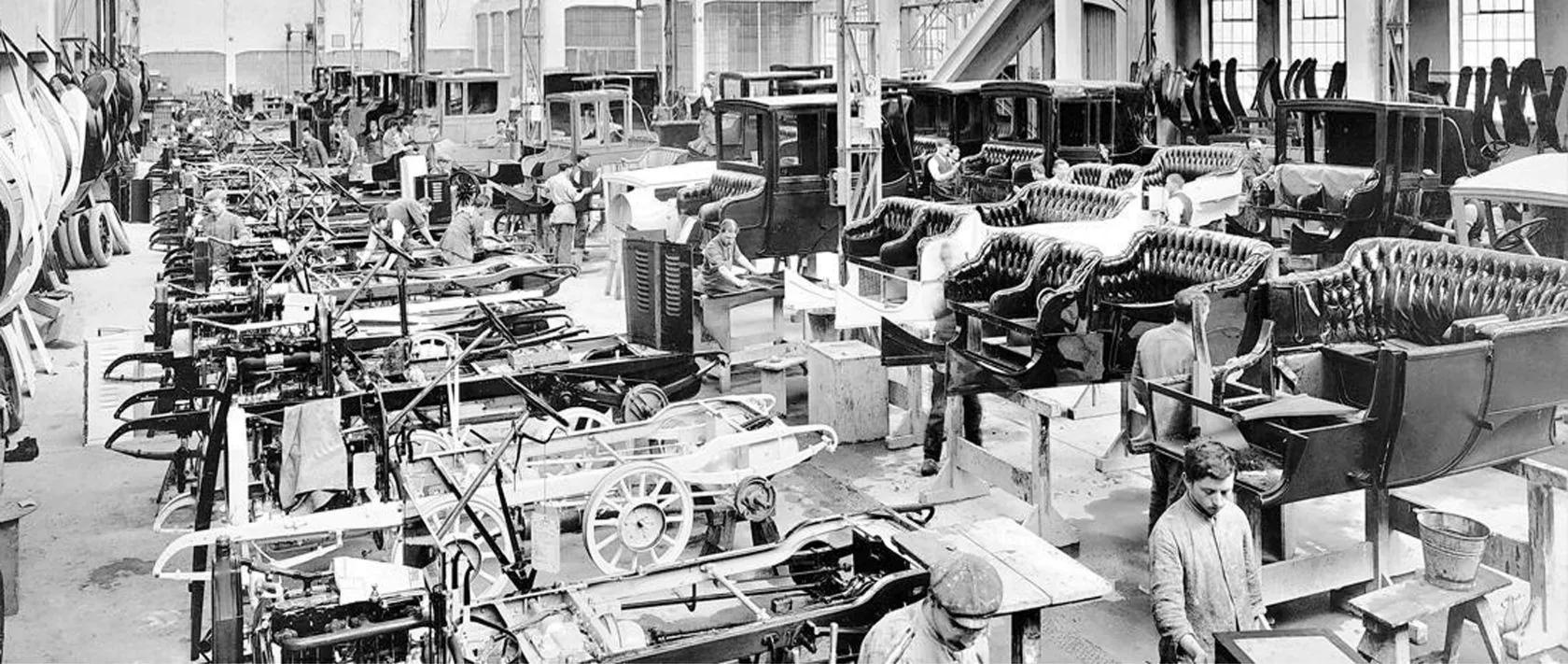 Это уже начало ХХ века - из небольшой мастерской в сарае дома Бенцев вырос довольно заметный завод