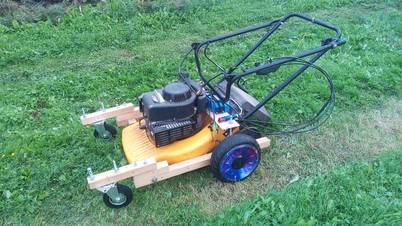 Робот-газонокосилка, часть 1. Механика и радиоуправление - 1