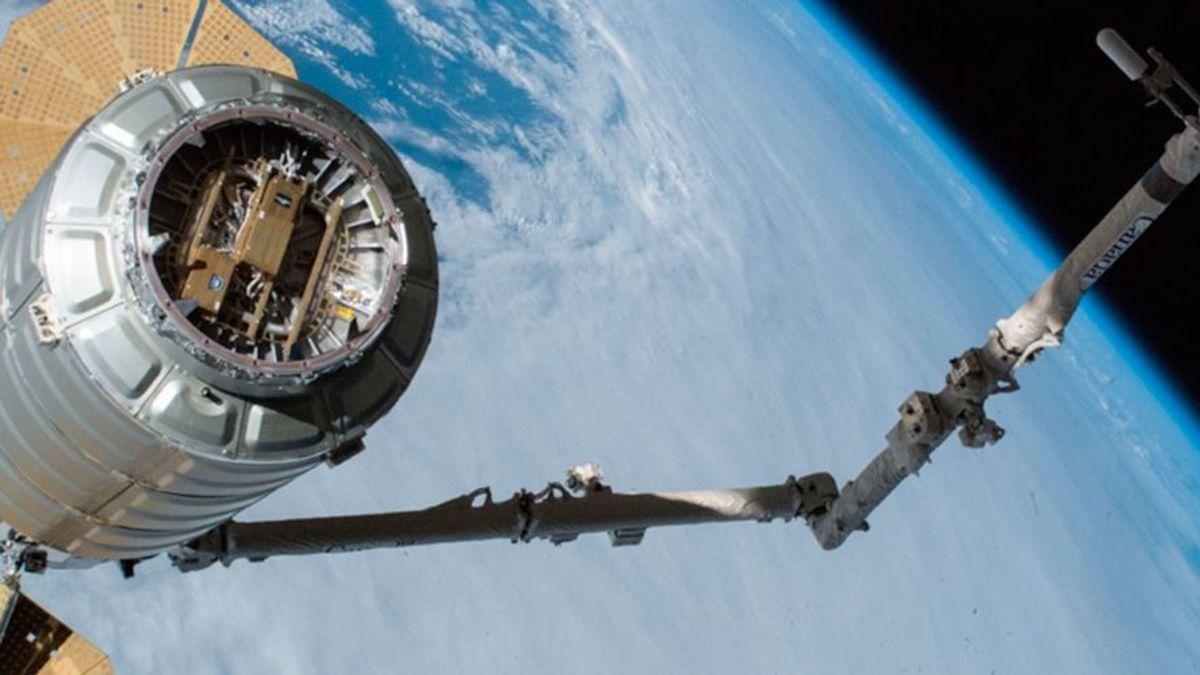 Как работает Lynk, оператор связи, связавший мобильные устройства напрямую со спутниками - 1