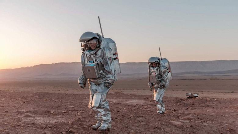 Стартовала миссия по имитации жизни на Марсе: шесть человек проживут месяц в скафандрах в израильской пустыне