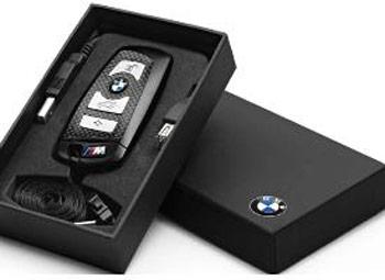 BMW предлагает фирменный флэш-накопитель для поклонников марки