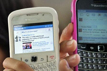 Facebook планирует выпуск собственного смартфона