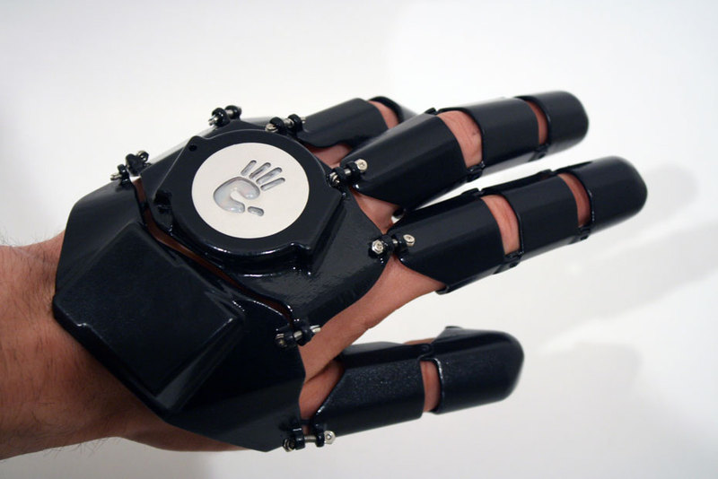 Glove One — интересная перчатка телефон
