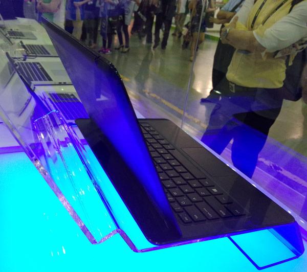 Толщина планшетной части компьютера Llama Mountain — всего 7,2 мм