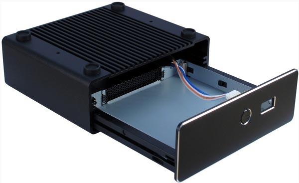 Корпус IT-3900 изготовлен из алюминия