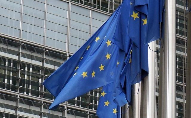 Microsoft, Nokia и Oracle подали жалобу в Еврокомиссию на монополию Android приложений от Google