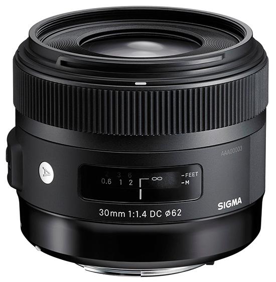 Объектив Sigma 30mm f/1.4 DC HSM предназначен для камер формата APS-C