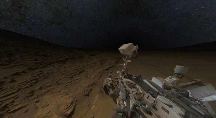 Sol 613: сферическая интерактивная панорама Curiosity «в ночи»