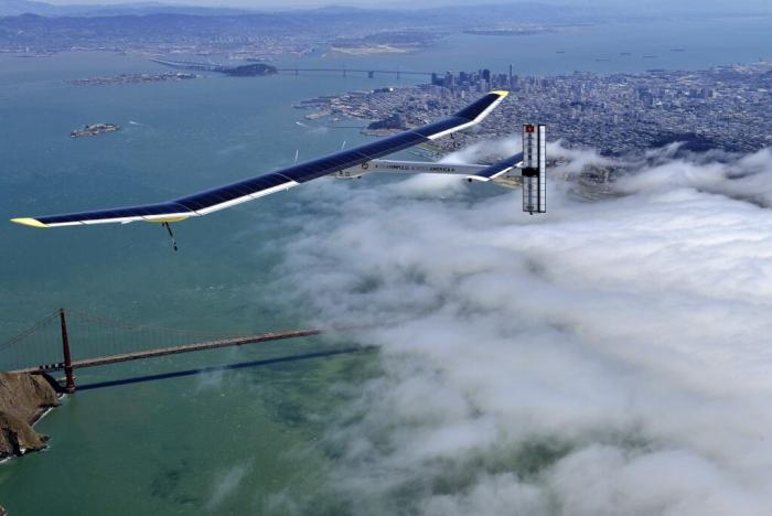Solar Impulse завершил перелет через континентальную часть США (5 тысяч километров)
