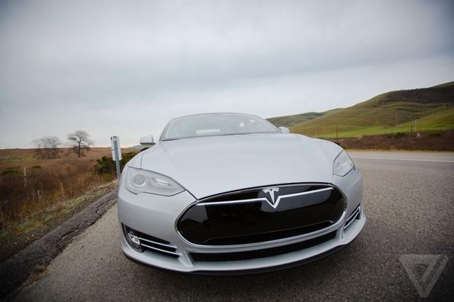 Tesla собирается построить собственную фабрику аккумуляторов