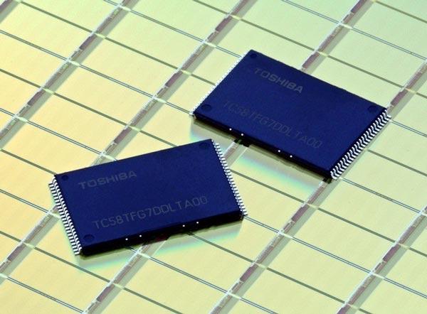 Toshiba вот-вот начнет выпуск 15-нанометровых чипов флэш-памяти типа MLC NAND плотностью 128 Гбит