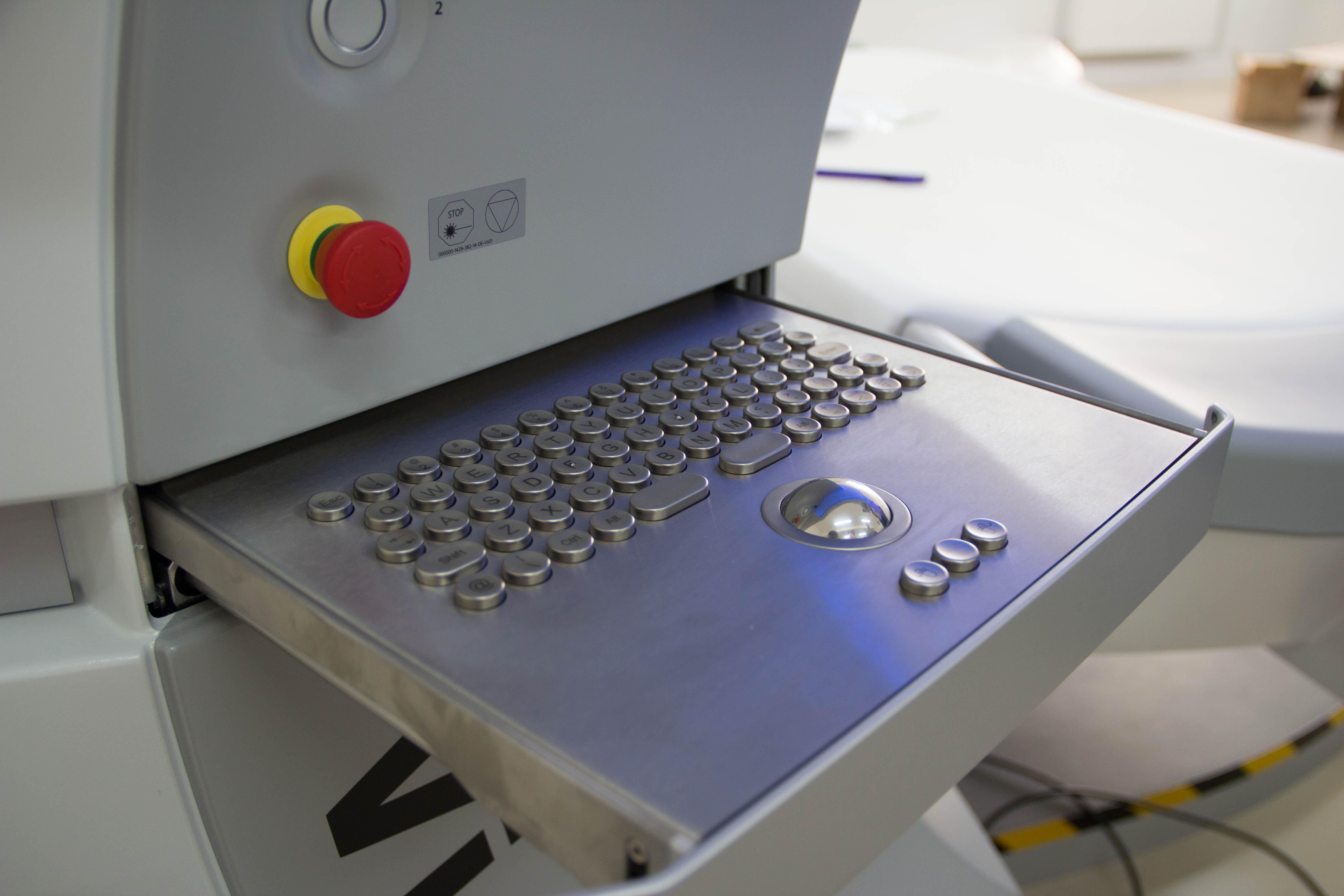 Unboxing VisuMax — фемто лазера для коррекции зрения. Часть 1