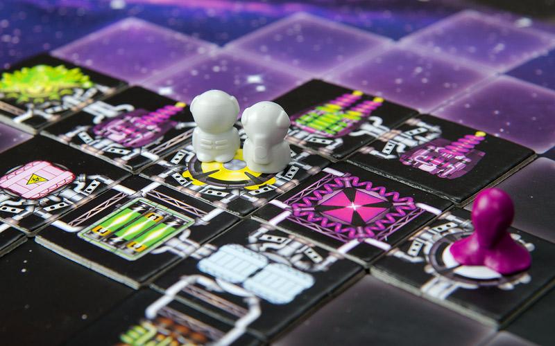 А вот я принёс вам настольную игру про космические полёты