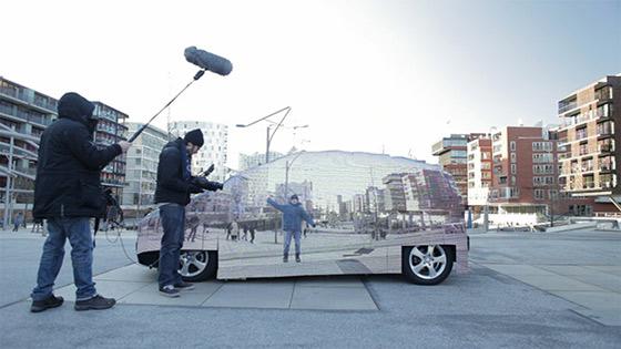 Работа с видео / Mercedes сделал «прозрачный» автомобиль (LED и видеокамера)