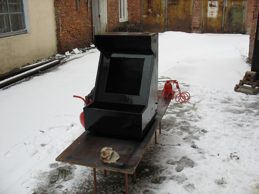 Аркадный автомат из хлама