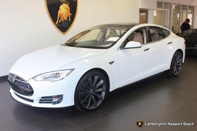 Автомобиль Tesla Model S был продан в Калифорнии с использованием Bitcoin как средства оплаты