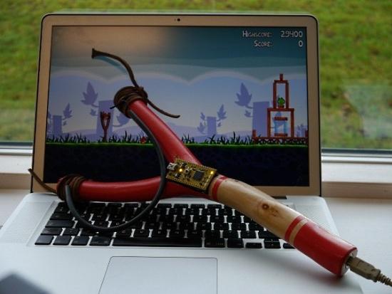 Гаджеты. Устройства для гиков / USB рогатка для игры в Angry Birds