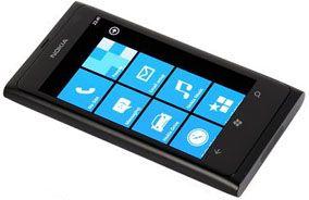 Nokia решит проблему с дисплеем у Lumia 900