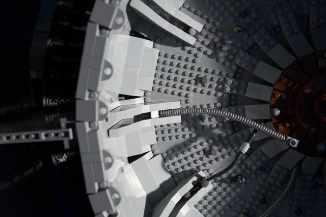 Двигатель Боинга из Lego