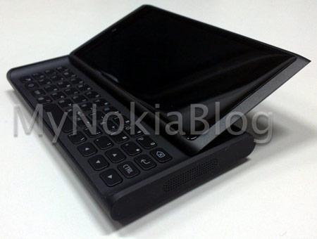 прототип смартфона Nokia RM-742 Lauta