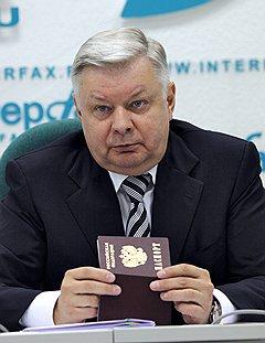 Глава ФМС говорит о замене паспортов электронными картами