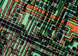 Как работает микроэлектронное производство и что нам стоит дом построить?